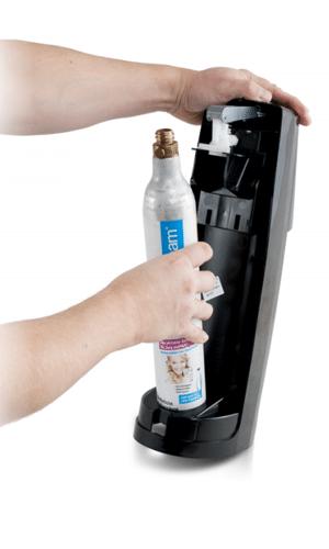 SodaStream Easy Zylinder eindrehen